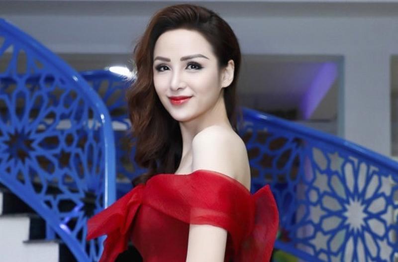 Hoa hậu Diễm Hương tiết lộ tin nhắn bị gạ