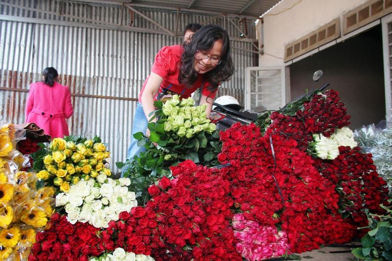 Hoa hồng Đà Lạt tăng giá gấp 3 lần trước dịp 20/10