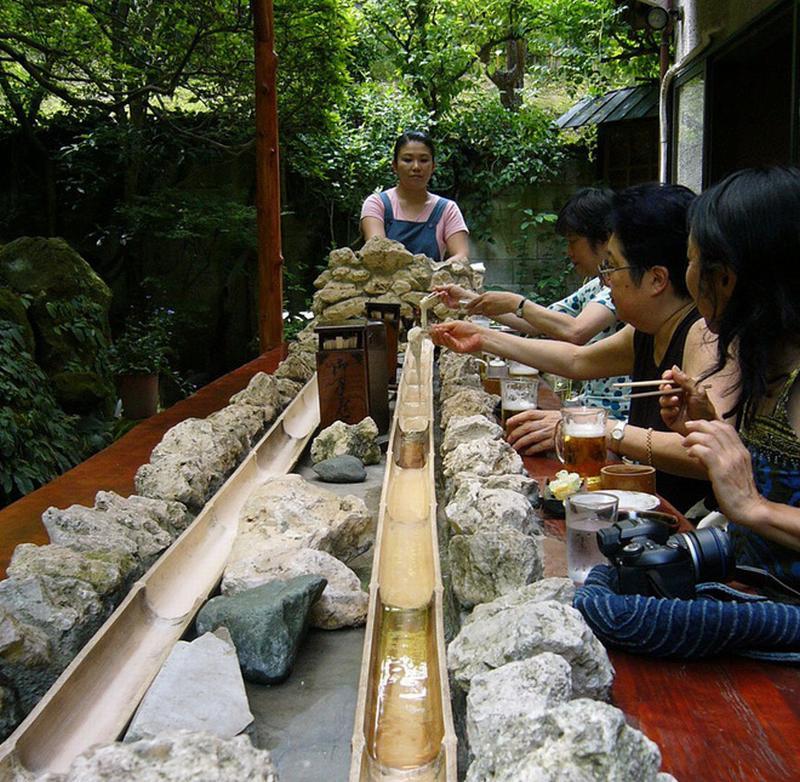 Ngoài cá sống, ếch sống, đây là những món ăn quái dị của Nhật Bản