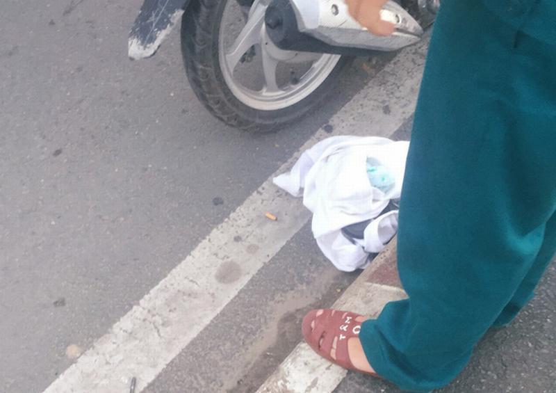 Sự thật bất ngờ vụ cô gái thuê xe ôm lên cầu tự tử ở Sài Gòn