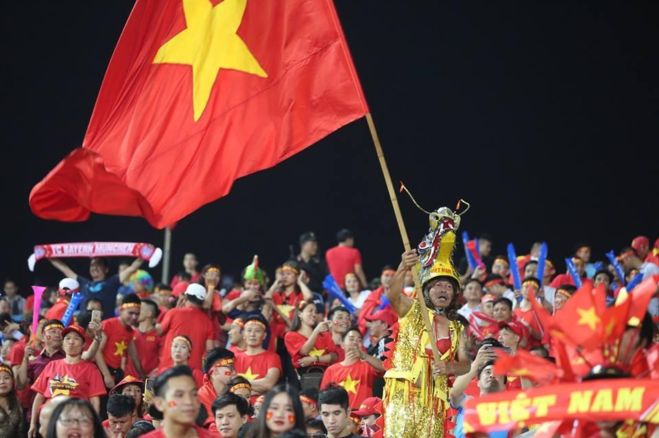 ket qua viet nam vs philippines (2-1): cong phuong nhan doi cach biet hinh anh 11