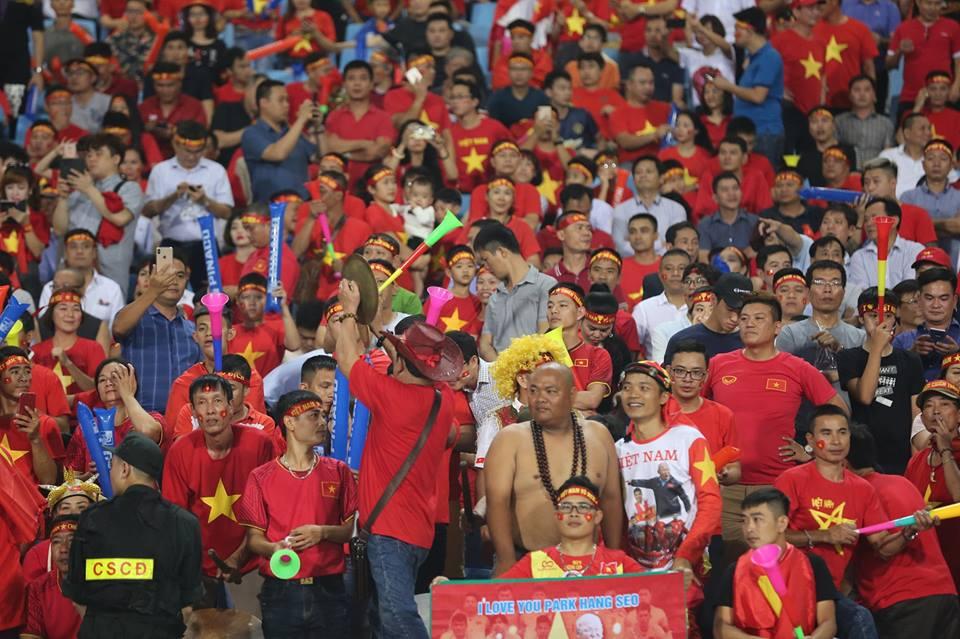 ket qua viet nam vs philippines (2-1): cong phuong nhan doi cach biet hinh anh 12